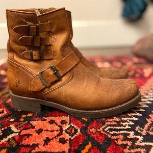 Women's Frye Veronica Belted Short Boot Cognac
